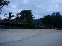 Strand promenad i gryningen!