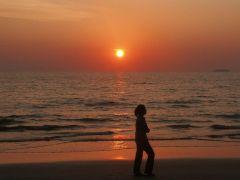 A sunset walk in Koh Lanta