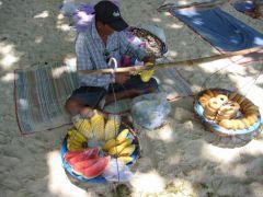 Strandförsäljare på Phra Nang beach