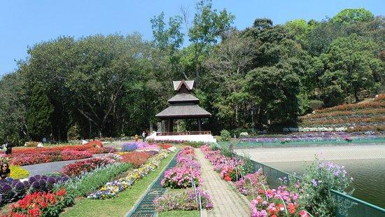 bhubing-palace.jpg